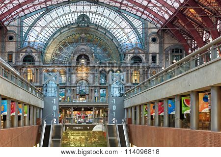 Amazing railway station in Antwerp