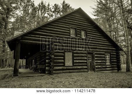 Historical Log Cabin Lodge