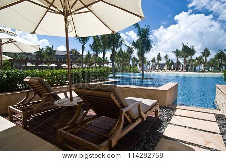 Hotel lagoon room
