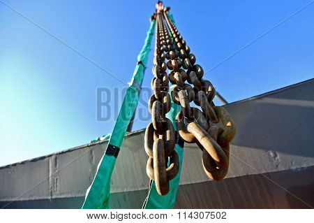 Heavy Duty Industrial Chain On Construction Crane