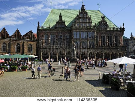 A Sunny Day In The Market Square Of Bremen, Germany.