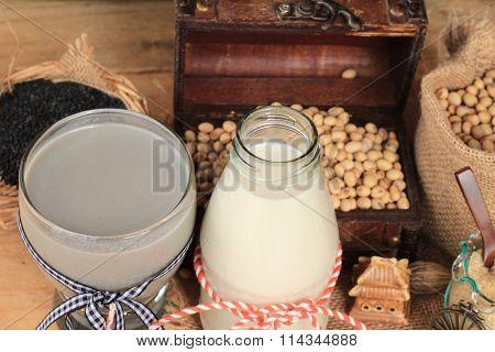 Soybean Milk And Soybean Milk Mix Black Sesame .