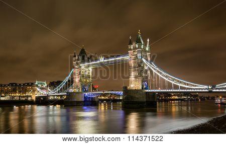 Tower Bridge of London by night