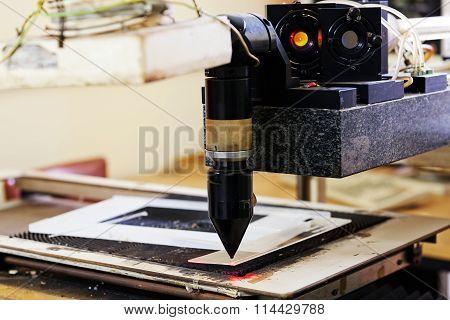 Red Laser On Cutting Machine