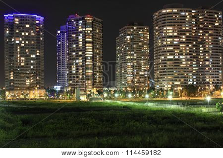 High-rise condominium in Yokohama Minatomirai 21 Japan (night scene)