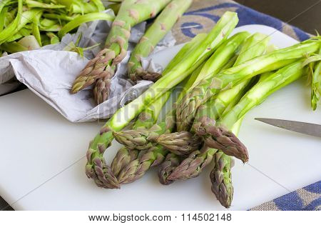 Peeled Green Asparagus