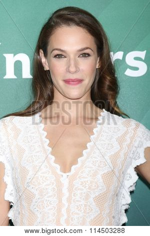 LOS ANGELES - JAN 14:  Amanda RIghetti at the NBCUniversal Cable TCA Press Day Winter 2016 at the Langham Huntington Hotel on January 14, 2016 in Pasadena, CA