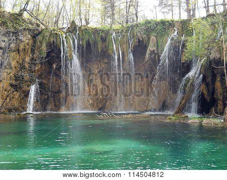 Waterfall - Plitvice Lakes National Park ( Croatia )