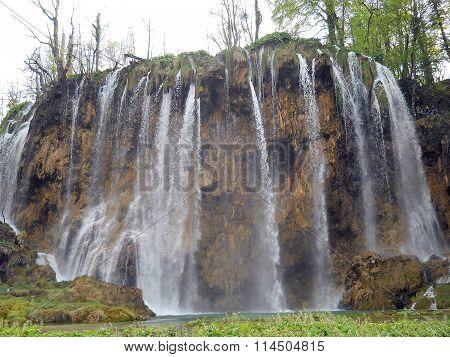 Veil waterfall - Plitvice National Park ( Croatia )