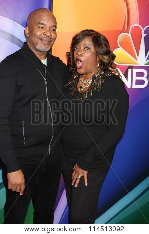 LOS ANGELES - JAN 13:  David Alan Grier, Loretta Devine at the NBCUniversal TCA Press Day Winter 2016  at the Langham Huntington Hotel on January 13, 2016 in Pasadena, CA