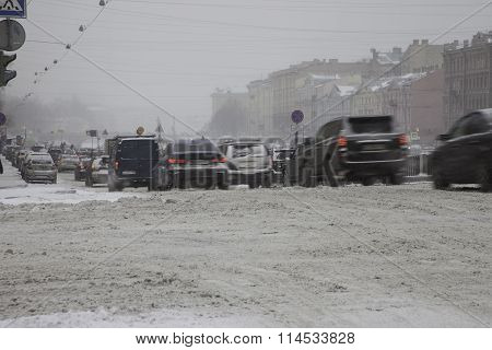 ST. PETERSBURG, RUSSIA - January, 2016: a heavy snowfall,  traffic jam