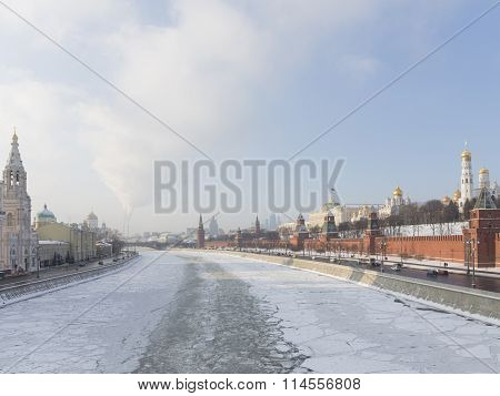 Moscow, Kremlin Embankment In Winter