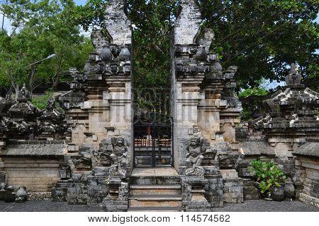 Uluwatu Temple - Bali Island, Indonesia (2016)