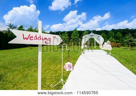 Wedding wooden arrow sign
