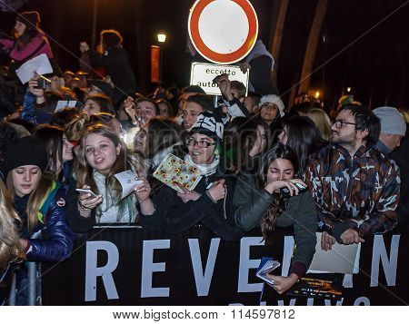 Italian Fans Of Leonardo Dicaprio