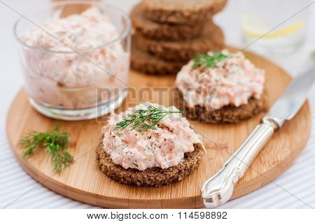 Smoked Salmon, Cream Cheese, Dill And Horseradish Pate On Slices Of Rye Bread