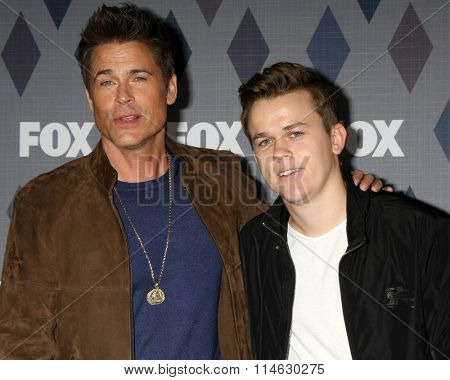 LOS ANGELES - JAN 15:  Rob Lowe, John Owen Lowe at the FOX Winter TCA 2016 All-Star Party at the Langham Huntington Hotel on January 15, 2016 in Pasadena, CA