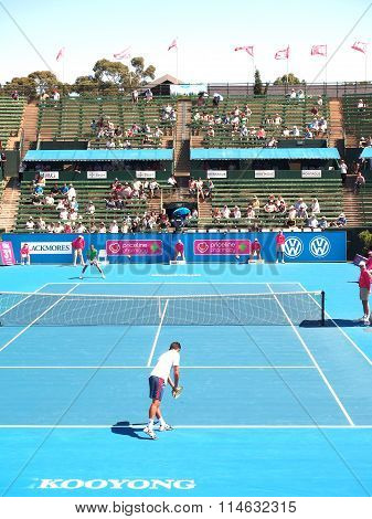 Exhibition and practice match at the center court at Kooyong