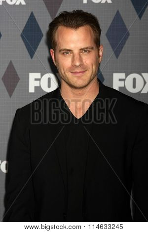 LOS ANGELES - JAN 15:  Robert Kazinsky at the FOX Winter TCA 2016 All-Star Party at the Langham Huntington Hotel on January 15, 2016 in Pasadena, CA