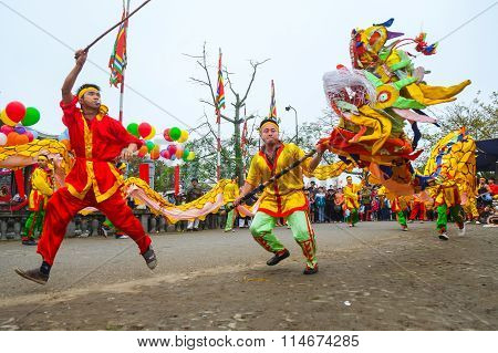 Vietnamese dancing with colorful dragon