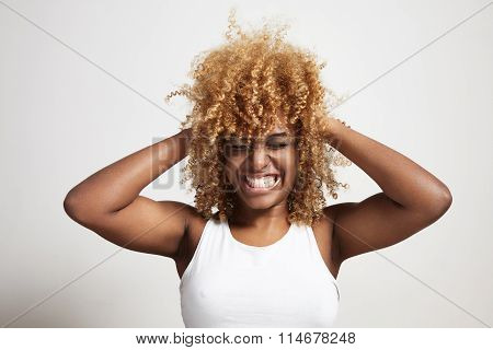 Screamind Black Woman Compress The Blondy Afro Hair