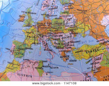Globe Map Puzzle - Europe