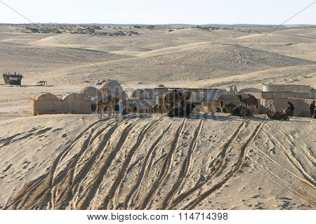 Star Wars Scenery Ong Jemel Near Nefta With Unknown Sand People