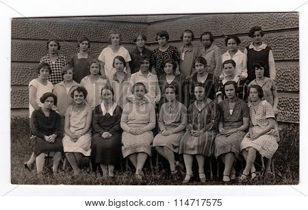 Vintage photo shows a group of girls