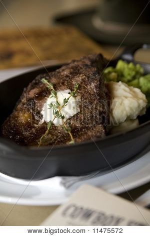 Grilled Porterhouse Steak With Mashed Potatoes