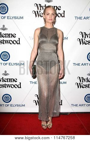 vLOS ANGELES - JAN 9:  Amber Valletta at the The Art of Elysium Ninth Annual Heaven Gala at the 3LABS on January 9, 2016 in Culver City, CA