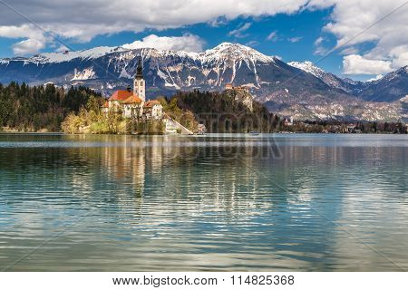 Bled Lake,island,church,castle,mountain-slovenia