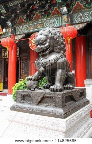 Guardian lion at Wong Tai Sin Temple in Hong Kong