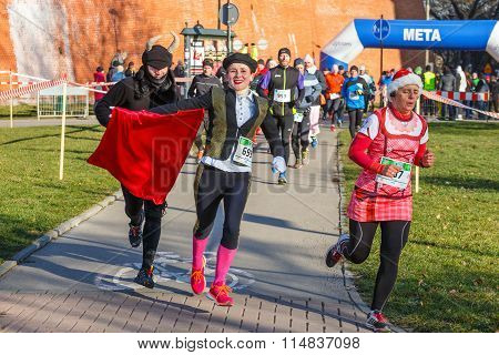 Krakow, Poland - December 31, 2015: 12Th New Year's Eve Race In Krakow. The People Running Dressed I