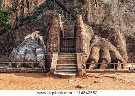 Famous Sri Lankan tourist landmark - lion's paws pathway on Sigiriya rock, Sri Lanka