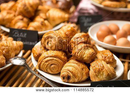 Croissant Plate