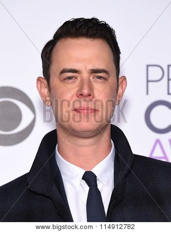 LOS ANGELES - JAN 06:  Colin Hanks arrives to the People's Choice Awards 2016  on January 06, 2016 in Hollywood, CA.