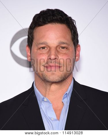 LOS ANGELES - JAN 06:  Justin Chambers arrives to the People's Choice Awards 2016  on January 06, 2016 in Hollywood, CA.
