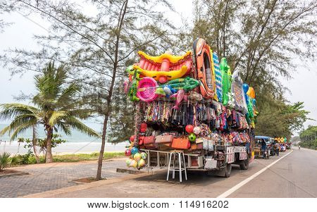 MAE PHIM, THAILAND - MARCH 22, 2015: Bus mobile shop selling toys on the beach in  Laem Mae Phim, Rayong Thailand