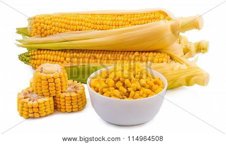 The corn which isn't cleared, the corn cut corn grains in a cup