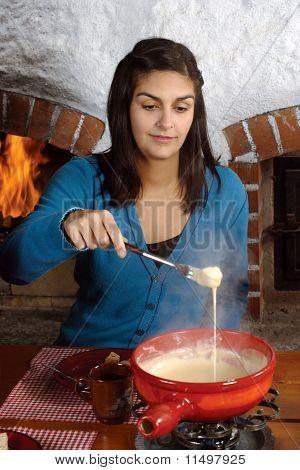 Eating Fondue