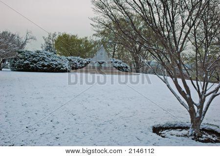 Anc  April 2007 Snow 09