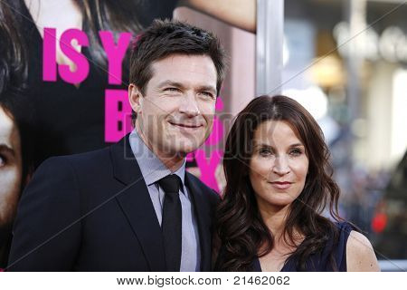 LOS ANGELES - 30 de JUN: Jason Bateman na estréia de 'Horrible Bosses' no Theatr chinês de Grauman