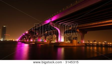 Macarthur Causeway Bridge