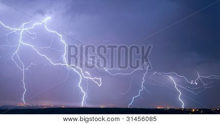 Many Big Lightning