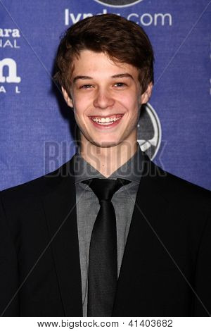 SANTA BARBARA - 24 de JAN: Colin Ford llega en el Santa Barbara International Film Festival