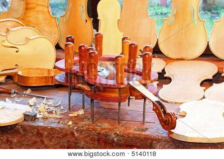 Violin In Press