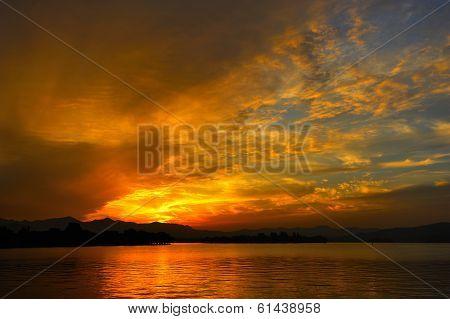 Sunset At Xihu Lake