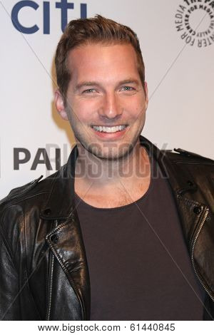 LOS ANGELES - MAR 13:  Ryan Hansen at the PaleyFEST Vernoica Mars Event at Dolby Theater on March 13, 2014 in Los Angeles, CA
