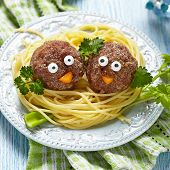 foto of spaghetti  - Spaghetti with meatballs for kids - JPG