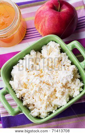 Cottage Cheese, Apple, Honey.